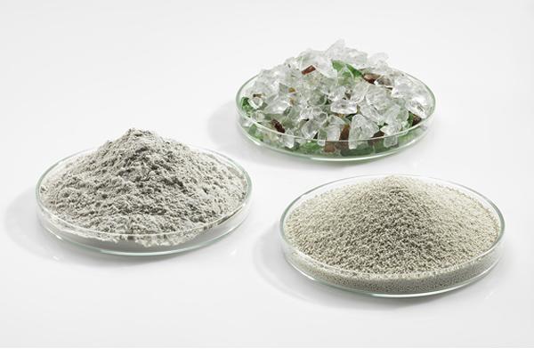 Foto von Poraver, Altglas und Glasmehl in Petrischalen